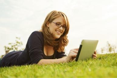 New Jersey SLP earning CEUs on iPad